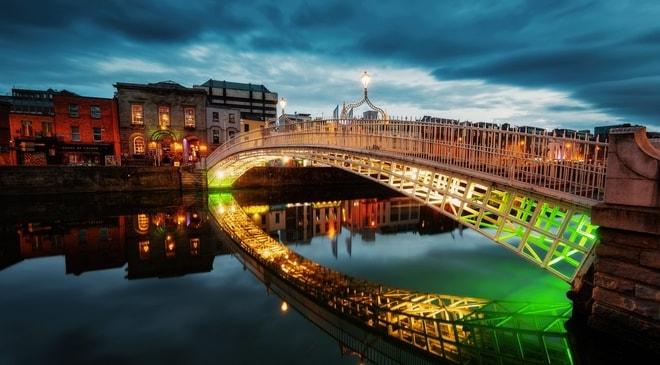 Fianna Fáil Blames Irish Government for Gambling Law Amendments' Delay